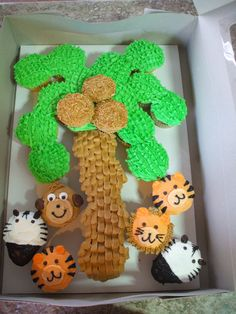 Jungle cupcake cake...or a Chicka Chicka Boom Boom Cake