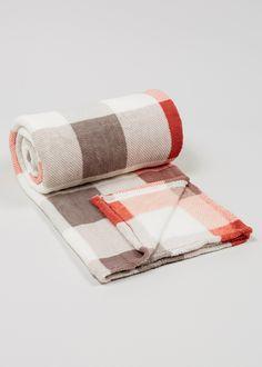Printed Check Fleece Throw (150cm x 130cm) - Matalan