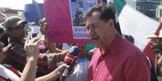 """AUDIO: """"Detrás de la violencia está Peña Nieto, con la miseria y la corrupción en que tiene sumido al país"""": Fernández Noroña"""