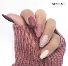 42 Beautiful Sweater Nail Designs Perfect For Christmas - Summer Nails Colors Xmas Nails, New Year's Nails, Christmas Nails, Hair And Nails, Christmas Holidays, Cute Nails, Pretty Nails, Nail Art Courses, Manicure