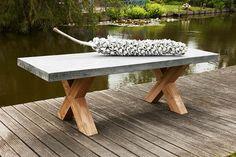 tuintafel beton met eikenhout onderstel www.koeletafels.nl Deck Table, Garden Table, Picnic Table, Outdoor Tables, Outdoor Decor, Pergola Designs, Backyard, Patio, Exterior