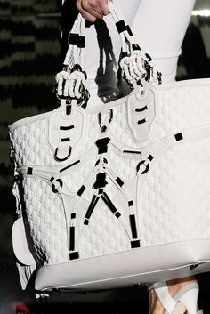 Gucci Spring 2010 Ready-to-Wear Collection Photos - Vogue