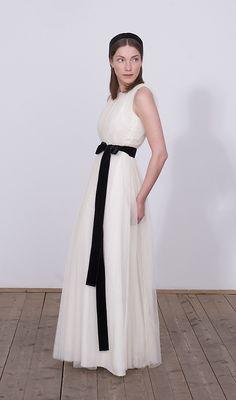 Beautiful wedding dress by Elfenkleid