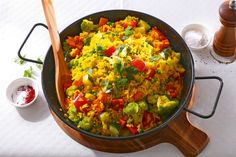 Gemüse-Paella - Annemarie Wildeisen's KOCHEN Special Recipes, Soups And Stews, Lentils, Guacamole, Grains, Mexican, Cooking Recipes, Ethnic Recipes, Food Specials