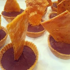 ganache tarts with honeycomb  www.lilyvanilli.com