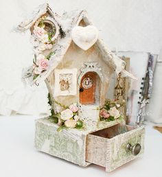 Cute fairy house for kids. Use blank birdhouse from craft store. Putz Houses, Fairy Houses, Altered Boxes, Altered Art, Christmas Home, Christmas Crafts, Arts And Crafts, Paper Crafts, Fairy Crafts