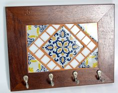 Indian Home Decor, Diy Home Decor, Azulejos Diy, Decorative Tile, Decorative Boxes, Ceramic Tile Crafts, Decoupage, Pottery Techniques, Plate Art