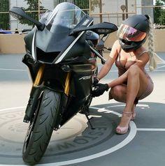 Beauty and The Beast Yamaha Yamaha R6, Yamaha Motor, Lady Biker, Biker Girl, Harley Davidson, Chicks On Bikes, Motorbike Girl, Girl Bike, Motorcycle Girls