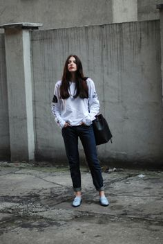 Gorgeous babe Laura of Horkruks showing off the 236108 blue Kenzo loafers of my dreams!