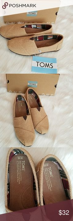 *NEW*TOMS Classic shoe on Natural Burlap *NEW*TOMS Women's Classic shoe in Natural Burlap. Size 10. Toms Shoes