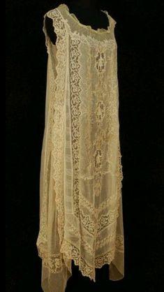Ideas for wedding dresses encaje vintage antique lace Vestidos Vintage, Vintage Gowns, Vintage Lingerie, Vintage Lace, Vintage Outfits, Vintage Cotton, Dress Vintage, Image Fashion, Look Fashion
