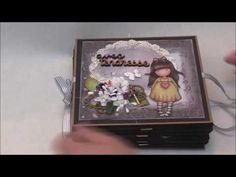 Mini Albums, Mini Scrapbook Albums, Album Gorjuss, Papel Scrapbook, Office And School Supplies, Memory Books, Decoupage, Alice, Paper Crafts