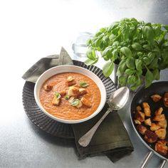Krämig tomatsoppa med halloumi | Recept | ViktVäktarna