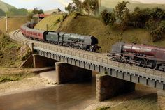How to Add Excitement to Model Railroad Scenery on Your Model Train Layout - Model Train Buzz N Scale Model Trains, Model Train Layouts, Scale Models, Train Ho, Ho Scale Train Layout, Escala Ho, Train Miniature, Garden Railroad, Ho Trains