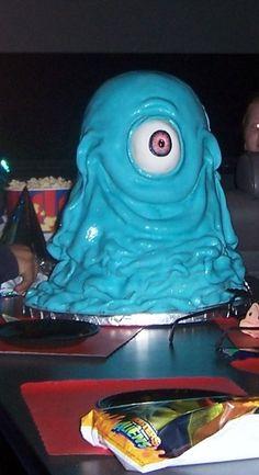 Monsters Vs. Aliens B.O.B. Cake