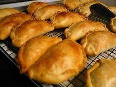 Das perfekte Nigerian Meat Pies - Afrikanische Piroggen, herzhaft !-Rezept mit einfacher Schritt-für-Schritt-Anleitung: Den Backofen auf 175 Grad…