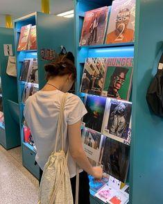 sᴏʟᴏ ᴇɴᴛʀᴀ ʏ ᴅɪsғʀᴜᴛᴀ #fanfic # Fanfic # amreading # books # wattpad Ulzzang Korean Girl, Cute Korean Girl, Asian Girl, Aesthetic People, Aesthetic Girl, Ootd Poses, Korean Girl Fashion, Uzzlang Girl, Korean Aesthetic