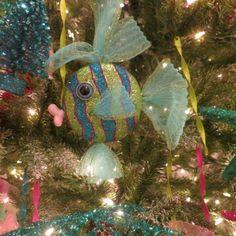 Coastal-inspired Christmas>> http://www.roomzaar.com/rate-my-space/Holidays/Coastal-Christmas/detail.esi?oid=30889933&sc=false&soc=pinterest  #FanDesign