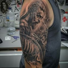 Tattoo done by: Carles Bonafe #ragnar #ragnartattoo #viking #vikings Bambamsi.com