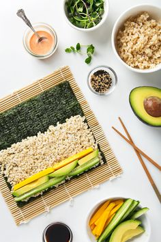 Spicy Mango & Avocado Brown Rice Sushi (Vegan Gluten-Free) - Delivery Food - Ideas of Delivery Food - Spicy mango and avocado sushi. Homemade sushi makes for such a fun delicious lunch! Brown Rice Sushi, Healthy Snacks, Healthy Eating, Healthy Drinks, Mango Recipes, Avocado Recipes, Vegetarian Recipes, Healthy Recipes, Vegan Foods
