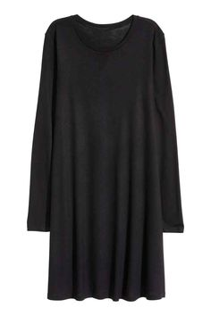 Long-sleeved jersey dress: Short dress in soft jersey with long sleeves and a gently flared skirt.
