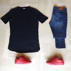 Red kicks#ootd #outfitgrid #outfitrepost #outfitfromabove 1⃣Jeans: #calvinklein super skinny 2⃣Tee: #imperial long fit t-shirt 3⃣Shoes: by #abissstore