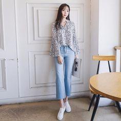 #envylook Side-Slit Faded Pants #koreanfashion #koreanstyle #kfashion #kstyle #stylish #fashionista #fashioninspo #fashioninspiration #inspirations #ootd #streetfashion #streetstyle #fashion #trend #style