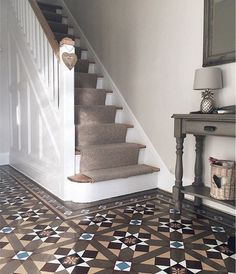 Hallway with original Minton tiles, stripped staircase and carpet runner. Hallway with original Minton tiles, stripped staircase and carpet runner. Minton Tiles, Victorian Homes, Hallway Flooring, New Homes, Hallway Designs, Staircase Makeover, Carpet Stairs, Tiled Hallway, Stairs