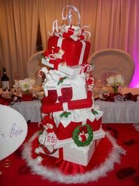 Very cool Christmas Wedding Cake! sweet sweet sues Custom Cakes for all occaisions www.SweetSweetSues.com