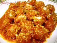Traditional Italian Meatballs in Tomato Sauce (Polpette al Sugo) | Enjoy this authentic Italian recipe from our kitchen to yours. Buon Appetito!