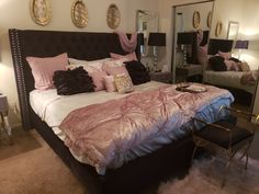 Black tufted bed with pink, gold & silver accents. Pink And Silver Bedroom, Room Decor Bedroom Rose Gold, Black Room Decor, Cute Bedroom Decor, Pink Room, Room Ideas Bedroom, Black Comforter, 1st Apartment, Tufted Bed