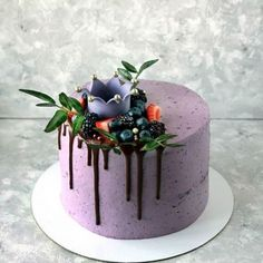 64 Ideas For Cupcakes Decoration Purple Sweets Pretty Cakes, Beautiful Cakes, Amazing Cakes, Cake Decorated With Fruit, Fruit Cake Design, Order Cake, Blueberry Cake, Painted Cakes, Just Cakes