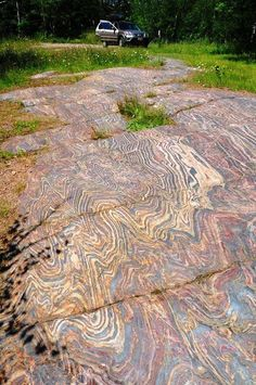 Linda J. Meranda-Cox‎Rock Hounds Folded banded iron formation with shale interbeds, exposed in a pavement near Soudan, Minnesota. Earth Science, Science And Nature, Formations Rocheuses, Cool Rocks, Natural Phenomena, Rocks And Minerals, Natural Wonders, Amazing Nature, Belle Photo