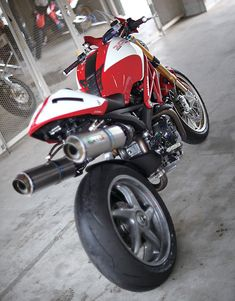 Ducati 796, Moto Ducati, Ducati Cafe Racer, Ducati Motorcycles, Cafe Racer Motorcycle, Custom Motorcycles, Custom Bikes, Monster Design, Ducati Monster
