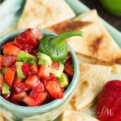 Strawberry Avocado Jalapeno Salsa with Baked Cinnamon Tortilla  Mein Blog: Alles rund um die Themen Genuss & Geschmack  Kochen Backen Braten Vorspeisen Hauptgerichte und Desserts # Hashtag