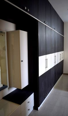 Wardrobe Laminate Design, Wall Wardrobe Design, Wardrobe Door Designs, Bedroom Cupboard Designs, Bedroom Closet Design, Bedroom Furniture Design, Wardrobe Storage, Lcd Panel Design, Almirah Designs