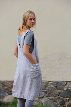 This apron is made from 100 % natural linen and produced and handmade by Linencloud.  Washed linen apron is a functional and long lasting. An apron has two comfortable side pockets. This apron is perfect for the kitchen, garden, craft room or a stylish gift.  Another one lovely detail for your daily linen life. ;)  SIZE CHART:  SIZE XXS Bust: 80cm/31.5 Waist: 62cm/24.5 Hips: 86cm/35  SIZE XS Bust: 84cm/33 Waist: 66cm/26 Hips: 90cm/36  SIZE S Bust: 88cm/35 Wa...