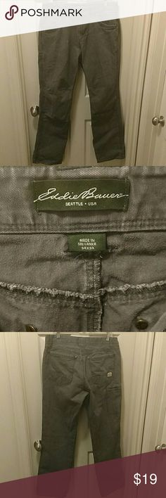 EDDIE BAUER MEN'S JEANS W/ 5 POCKETS 34X34 EDDIE BAUER MEN'S JEANS (LIKE CARHARTT / KUHL FEEL TO THEM) HAS 5 POCKETS  SIZE 34X34  VERY GOOD CONDITION WITH NO RIPS TEARS OR STAINS  #271 Eddie Bauer Jeans