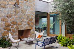 #ToroCanyonHouse #residence #modern #midcentury #exterior #outside #outdoor #seating #fireplace #patio #2012 #SantaBarbaraCounty #BarbaraBestor