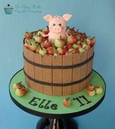 3d cake pig apples