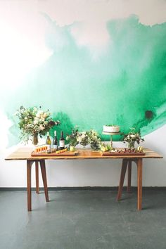 table spreads and watercolor walls // sea green and gold