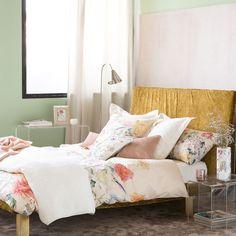 Chrysanthemum Print Bedding from Zara Home - Do want! Bedding Master Bedroom, Linen Bedroom, King Bedding Sets, Bed Linen, Linen Bedding, Bedroom Stuff, Pottery Barn, Master Suite, Masculine Bedding