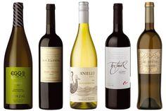 Desde hace algún tiempo ciertas bodegas argentinas empezaron a producir, en pequeñas cantidades, vinos audaces y fuera de lo común con uvas poco conocidas y métodos alternativos de elaboración.