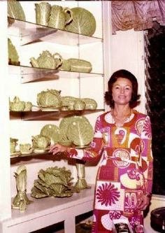 Dodie Thayer for Tory Burch - The Glam Pad Barbara Sinatra, Florida Design, Jacqueline Kennedy Onassis, Ceramic Flowers, Kids House, Palm Beach, Lettuce, Pink And Green, Tory Burch