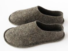 """Wool """"Barefoot"""" Slippers by Top-Felt Can be Worn Year Round : TreeHugger"""