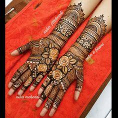 Image may contain: 1 person Latest Simple Mehndi Designs, Arabic Bridal Mehndi Designs, Wedding Henna Designs, Mehndi Designs Feet, Peacock Mehndi Designs, Khafif Mehndi Design, Henna Art Designs, Indian Mehndi Designs, Modern Mehndi Designs