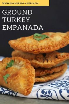 Delicious Ground Turkey Empanada Recipe will become your fave ground turkey recipes for go to snack or game day food! Delicious Ground Turkey Empanada Recipe will become your fave ground turkey recipes for go to snack or game day food! Empanada Dough, Healthy Ground Turkey, Recipes For Ground Turkey, Ground Turkey Dinners, Comida Latina, Le Diner, Game Day Food, Snacks, Gastronomia