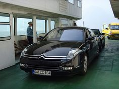 The Citroen C6. Love it or hate it, it doesn't leave you indifferent. It has had a very bad press here in France since it was launched but I just think it's beautiful. #C6 #Citroen #Frenchcars