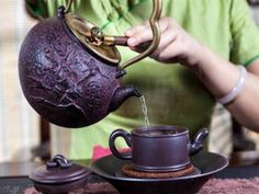 Antique Cast Iron Teapot and Cup Tea Culture, Teapots And Cups, News Health, Drinking Tea, New Product, Tea Pots, Purple, Tableware, Green
