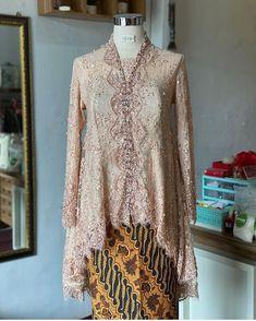 Model Kebaya, Batik Kebaya, Brokat, Muslim Fashion, Bodo, Formal Dresses, Lace, Womens Fashion, Couple